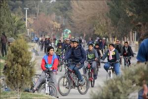 همایش دوچرخه سواری با شعار آسمان آبی؛ هوای پاک