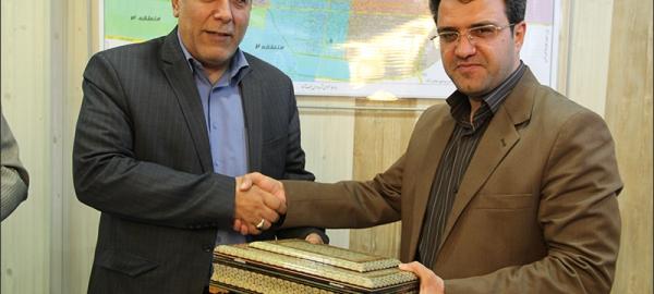 شهردار نجف آباد بودجه شهرداري را تقديم شوراي اسلامي شهر كرد